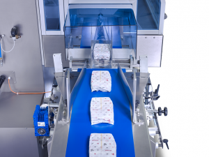 sleek wrapping diapers for packaging with wrapping machine