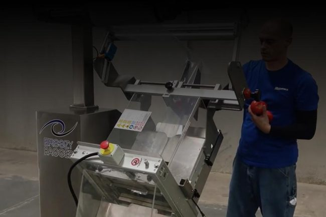 Packaging Tomatoes - Breezy Bagger